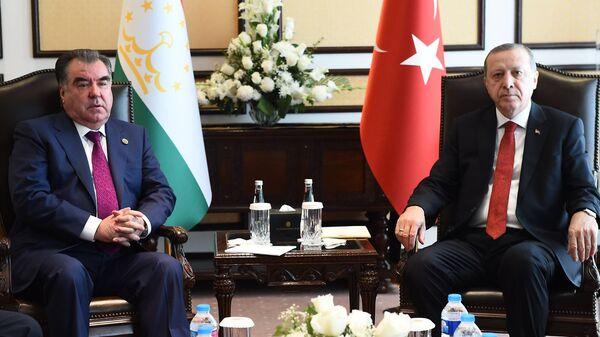 Президенты Таджикистана и Турции Эмомали Рахмон и Тайип Эрдоган - Sputnik Тоҷикистон