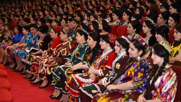 Женщины Таджикистана, архивное фото - Sputnik Таджикистан