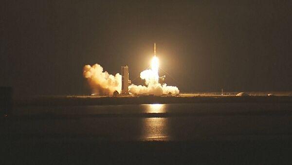 Запуск ракеты с военным спутником - Sputnik Таджикистан