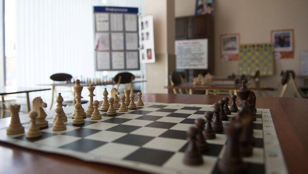 Шахматная доска, архивное фото - Sputnik Тоҷикистон