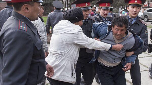 Митинг в поддержку экс-депутата Садыра Жапарова в Бишкеке, архивное фото - Sputnik Таджикистан