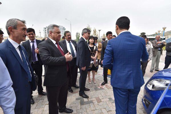 Выставка ярмарка продукции промышленных товаров Республики Узбекистан 2017 - Sputnik Таджикистан