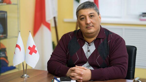 Координатор по вопросам здравоохранения Европейского офиса Международной Федерации Обществ Красного Креста и Красного Полумесяца Даврон Мухамадиев - Sputnik Таджикистан
