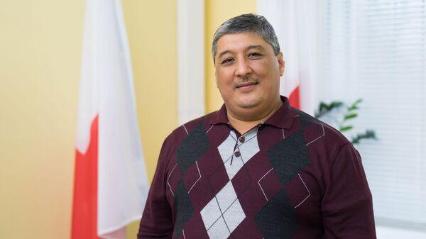 Руководитель департамента здравоохранения Международной Федерации обществ Красного Креста и Красного Полумесяца (Европейский регион)  Даврон Мухамадиев - Sputnik Таджикистан
