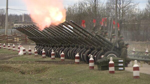 Салютный дивизион готовится ко Дню Победы - Sputnik Таджикистан