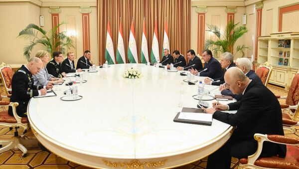Встреча с командующим Центральным командованием США генералом Джозефом Л. Вотелем - Sputnik Таджикистан