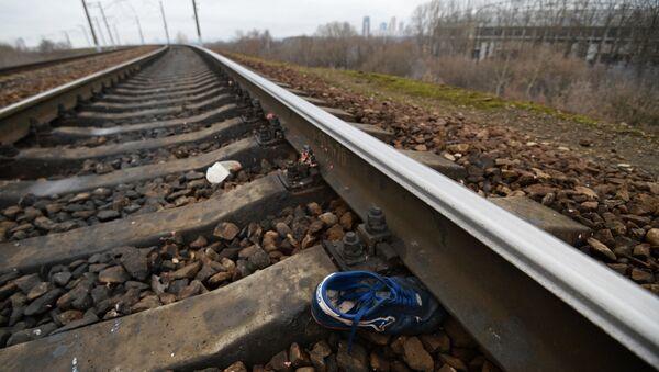 Электропоезд сбил людей на северо-западе Москвы - Sputnik Тоҷикистон