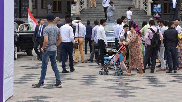 Иностранцы на улицах Душанбе, архивное фото - Sputnik Таджикистан