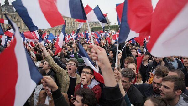 Второй тур президентских выборов во Франции - Sputnik Таджикистан