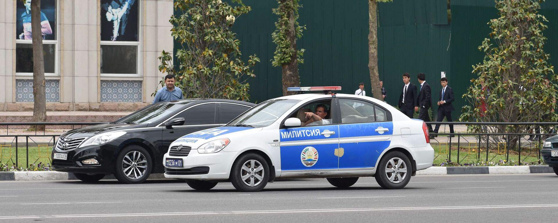 Машина милиции в Душанбе, архивное фото - Sputnik Тоҷикистон, 1920, 28.07.2021