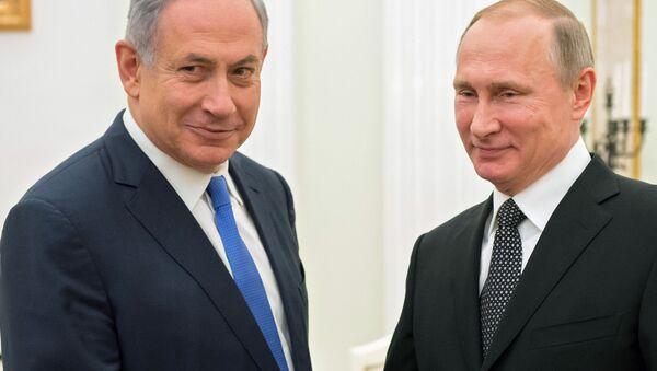 Премьер-министр Израиля Беньямин Нетаньяху и президент России Владимир Путин на встрече в Кремле - Sputnik Тоҷикистон
