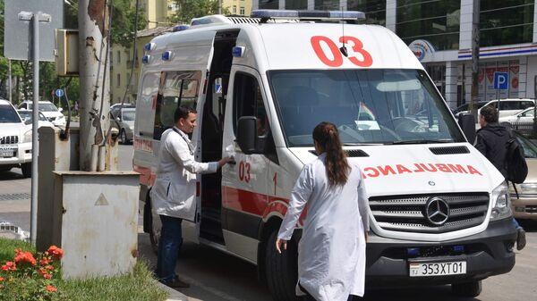 Машина скорой помощи в Таджикистане, архивное фото - Sputnik Тоҷикистон