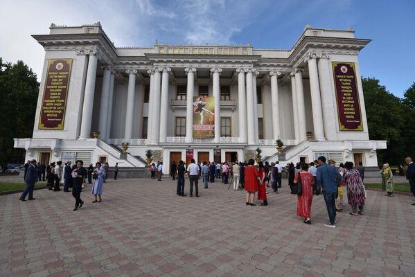 Государственный академический театр оперы и балета имени С.Айни - Sputnik Таджикистан