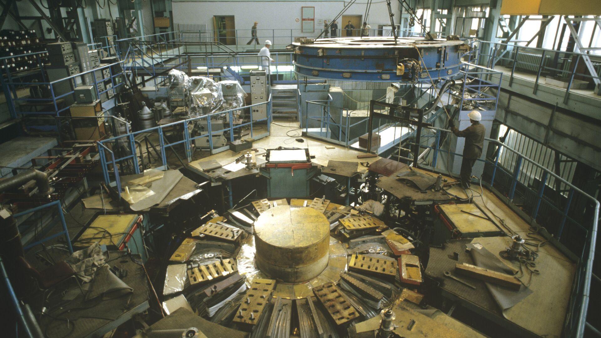 В Институте атомной энергии имени И.В. Курчатова, архивное фото - Sputnik Тоҷикистон, 1920, 27.07.2021