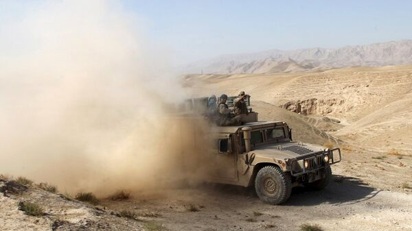 An Afghan security vehicle advances towards the city of Kunduz, Afghanistan September 30, 2015 - Sputnik Таджикистан