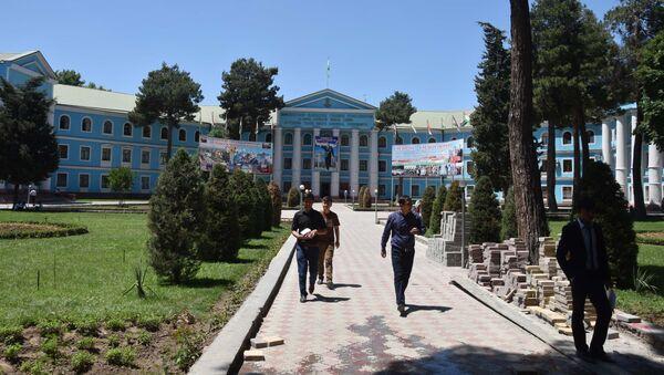 Медуниверситет в Душанбе - Sputnik Таджикистан