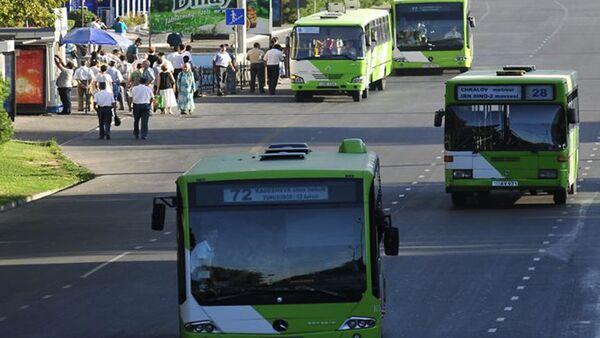 Автобусы в Ташкенте - Sputnik Тоҷикистон