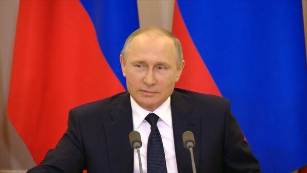 Путин о разговоре Трампа и Лаврова - Sputnik Таджикистан