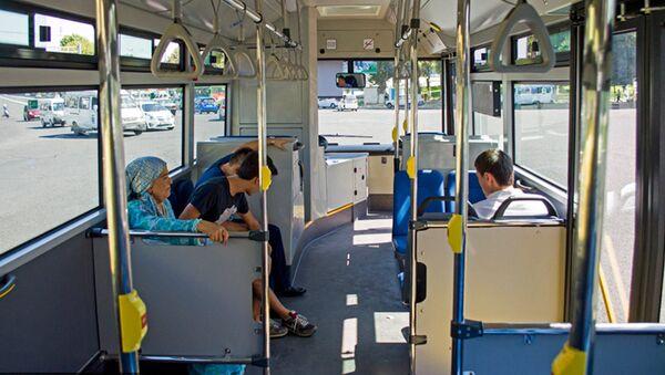 Салон автобуса в Ташкенте, архивное фото - Sputnik Таджикистан
