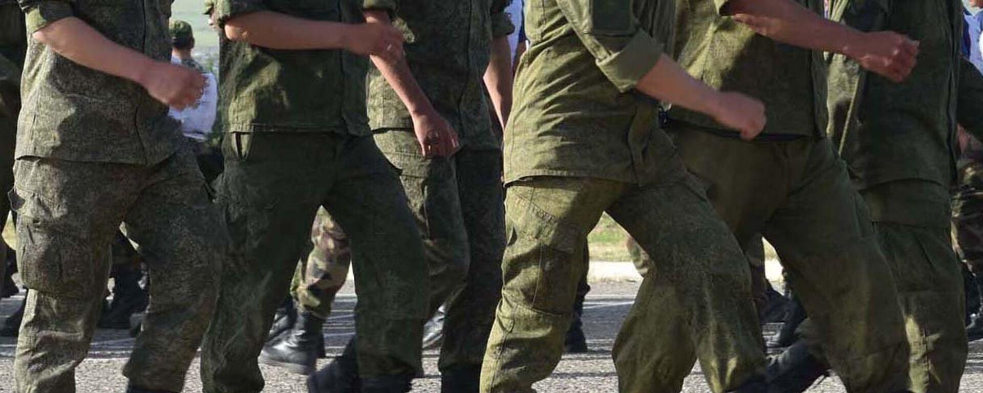 Солдаты маршируют, архивное фото - Sputnik Тоҷикистон, 1920, 05.04.2021