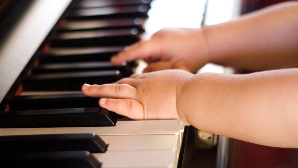 Обучение игре на фортепьяно - Sputnik Таджикистан