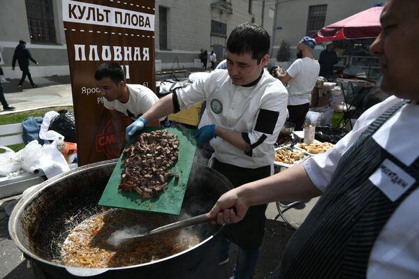 В Музее Москвы прошел благотворительный фестиваль-конкурс восточных искусств Культ плова - Sputnik Таджикистан