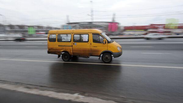 Маршрутное такси, архивное фото - Sputnik Таджикистан