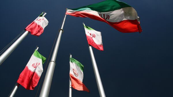 Флаг Ирана, архивное фото - Sputnik Таджикистан