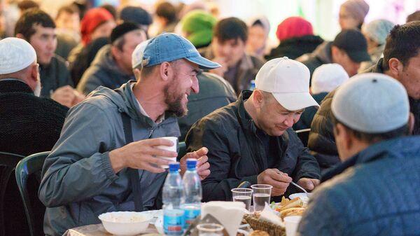Празднование Рамадана в Москве - Sputnik Тоҷикистон