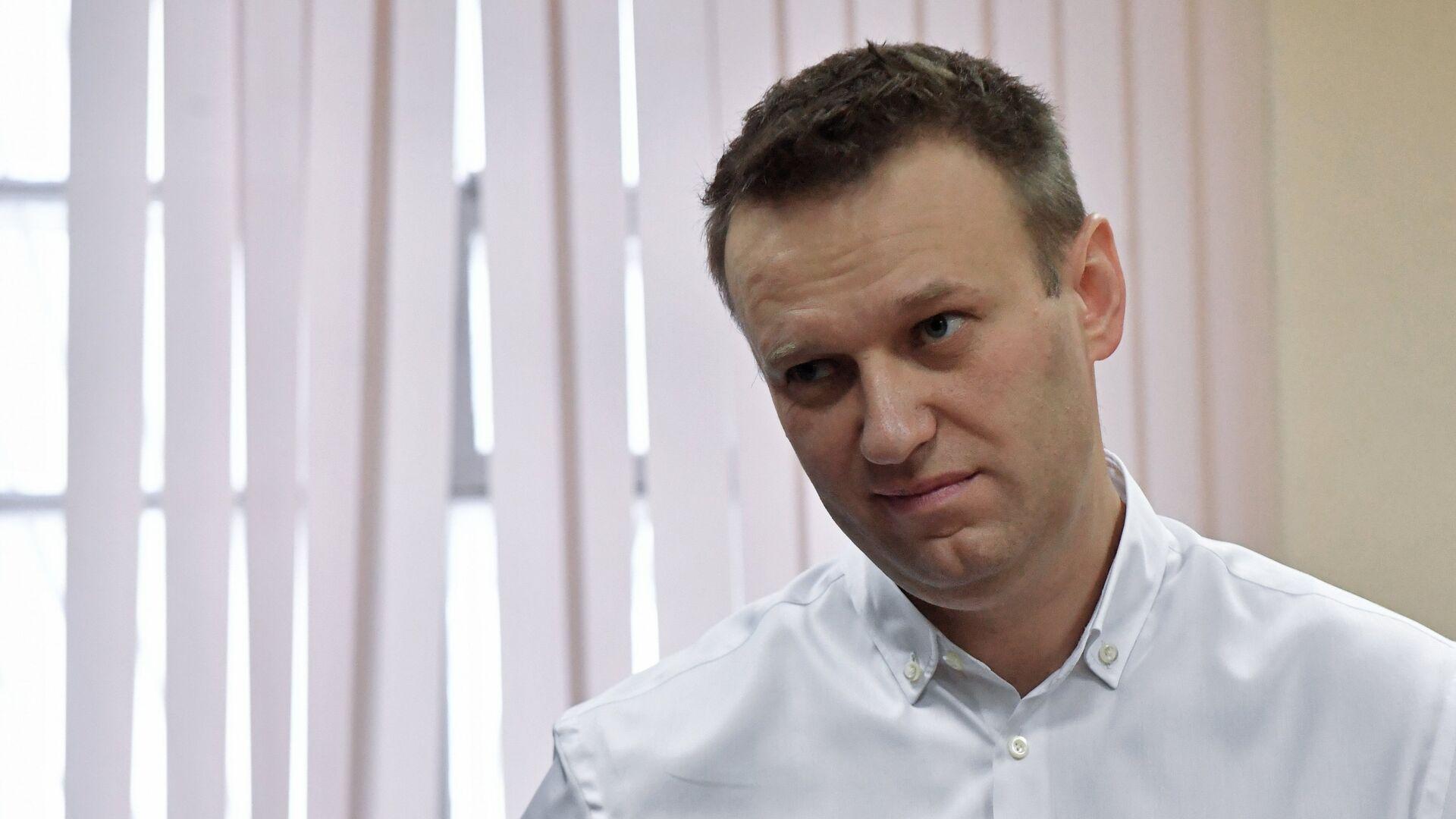 Оглашение приговора Алексею Навальному - Sputnik Таджикистан, 1920, 08.09.2021