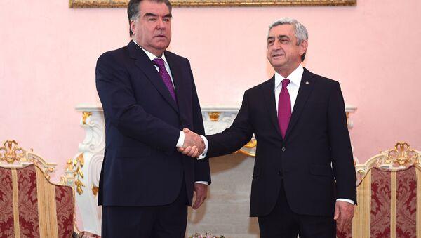 Президент РТ вместе с президентом Армении - Sputnik Тоҷикистон