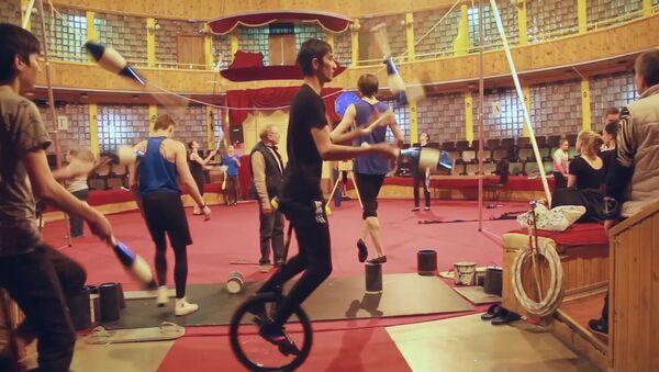 Салим Муминов рассказал о своей учебе в цирковом училище - Sputnik Тоҷикистон