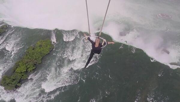 Акробатка над Ниагарским водопадом - Sputnik Тоҷикистон
