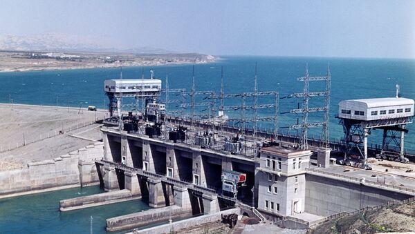 Кайраккумская ГЭС Дружба народов, архивное фото - Sputnik Таджикистан