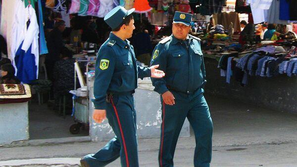 Узбекские милиционеры, архивное фото - Sputnik Таджикистан