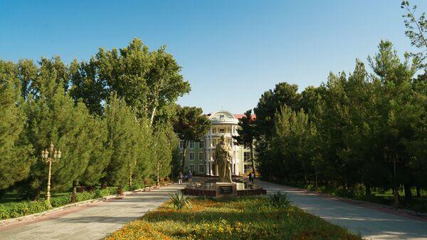 Гостиница Бахористом в городе Худжанд, архивное фото - Sputnik Тоҷикистон