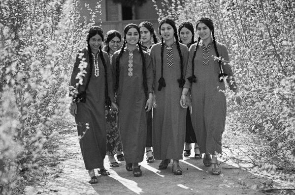 Девушки-таджички - Sputnik Таджикистан