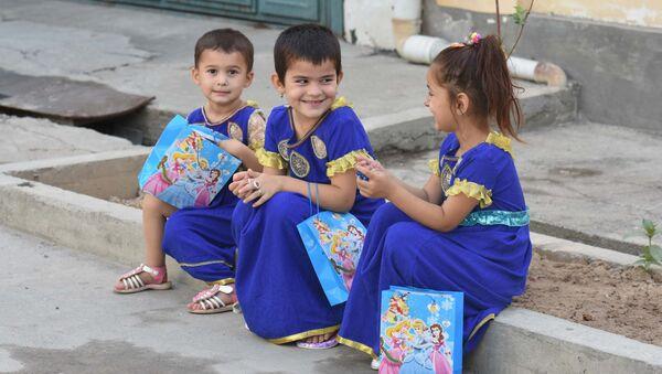 Дети в Душанбе, архивное фото - Sputnik Тоҷикистон