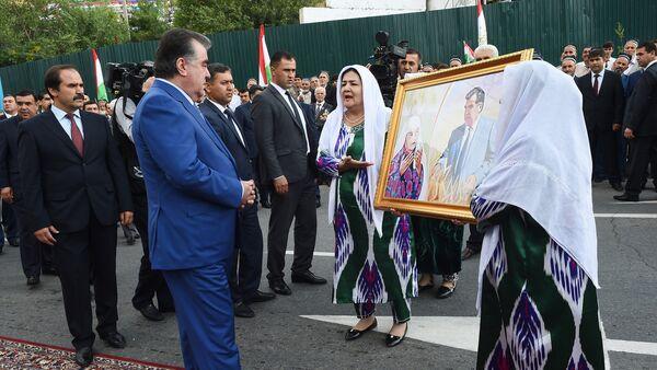 Посещение Вахдата президентом РТ Эмомали Рахмоном - Sputnik Таджикистан