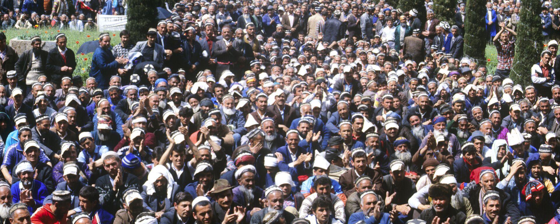 Митинг на площади Шахидон - Sputnik Таджикистан, 1920, 05.05.2017
