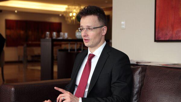 Министр иностранных дел Венгрии Сийярто Петер - Sputnik Таджикистан