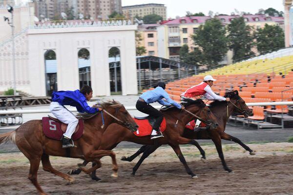 Конные скачки в Душанбе - Sputnik Таджикистан