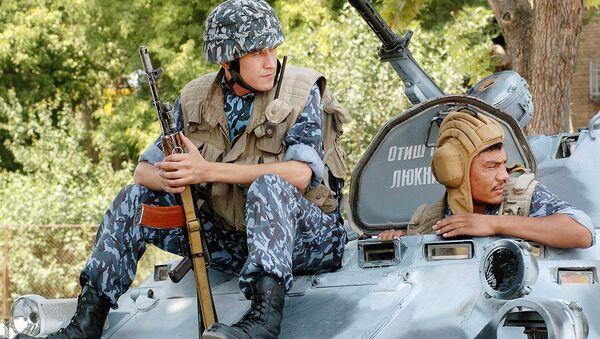 Узбекские военные, архивное фото - Sputnik Таджикистан