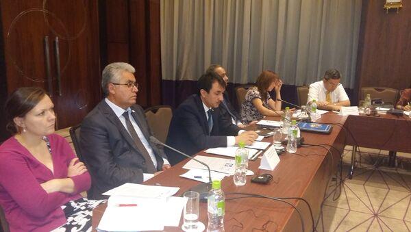 Круглый стол по вопросам миграционной политики Таджикистана - Sputnik Таджикистан