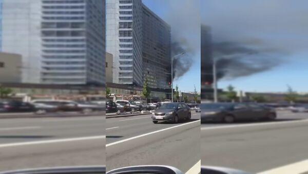 Пожар в высотке на Новом Арбате - Sputnik Тоҷикистон