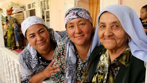 Узбекские женщины, архивное фото - Sputnik Таджикистан