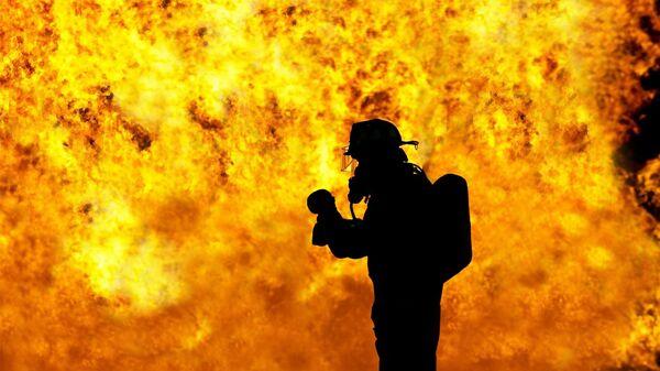 Пожарник, архивное фото - Sputnik Таджикистан