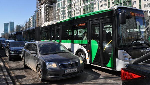 Общественный транспорт в Астане, архивное фото - Sputnik Тоҷикистон