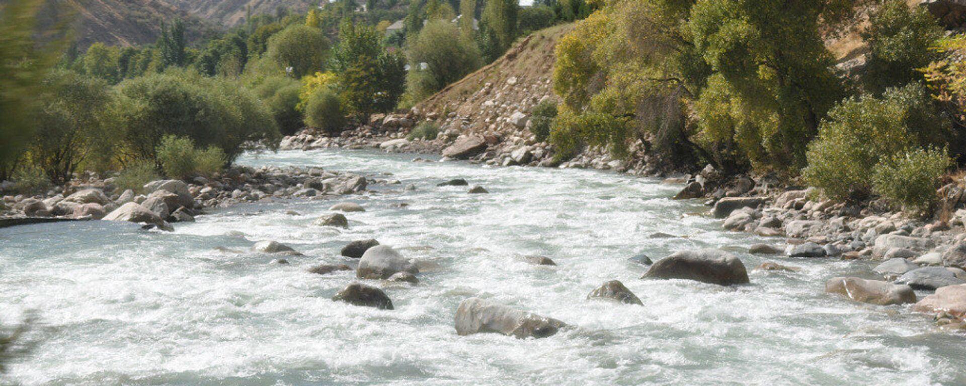 Река Варзоб, архивное фото - Sputnik Тоҷикистон, 1920, 02.08.2021