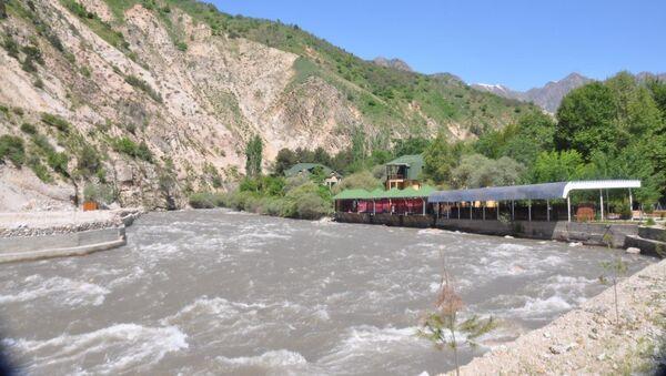 Река Варзоб, архивное фото - Sputnik Тоҷикистон